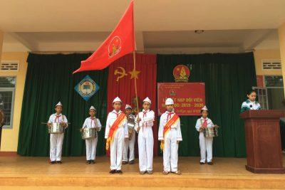 Liên đội Trường Tiểu học Ama Trang Lơng đã long trọng tổ chức Lễ Kết nạp Đội viên mới cho 40 nhi đồng của khối lớp 3.