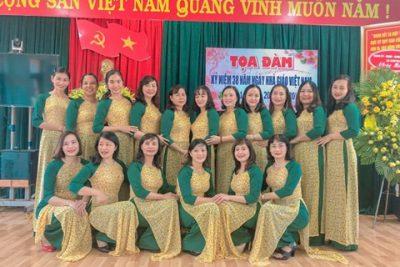 """Trong không khí náo nức chào đón kỉ niệm 38 năm ngày Nhà giáo Việt Nam 20-11. Trường Tiểu học Ama Trang Lơng đã có nhiều hoạt động ý nghĩa thể hiện sự """"Tôn sư trọng đạo"""""""